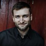 Intervju: Forfatter Birger Emanuelsen om skriveprosess